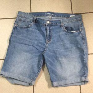 """Women's Old Navy Bermuda Shorts 9"""" inseam 16R"""